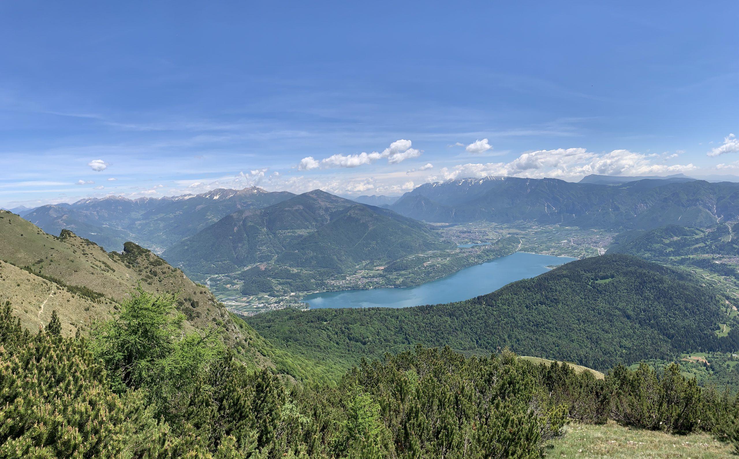Vista dalla cima Marzola verso la Valsugana